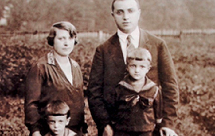 Janina's parents with their sons: Roman and Olek. Kraków c. 1928.