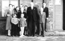 Henryk Münch with his family in Kraków in the 1950s . From the right: his sons: Stefan and Henryk.
