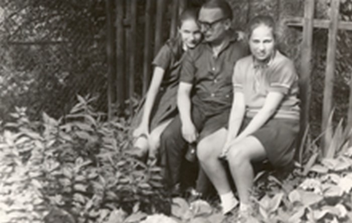 Stanisław Ptak with his daughters in the 1970s.