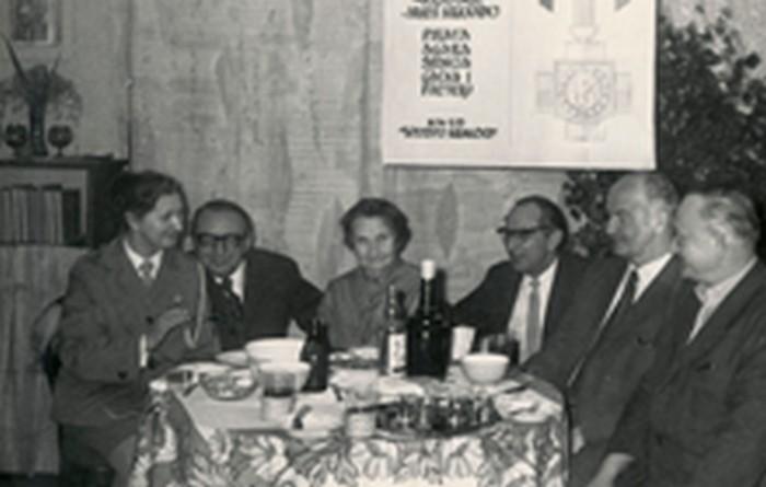 Stanisław Ptak with former partisans celebrating being awarded Krzyż AK. From the left: Krystyna Kapłańska, Stanisław Ptak, Maria Ptak, Władysław Pawelczyk (pseudonym Pirat). Kraków 1973