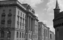 Siedziba Banku Emisyjnego (obecnie Narodowy Bank Polski), w  narożnym apartamencie mieszkali państwo Młynarscy podczas wojny, fot. H. Hermanowicza,  wł. MHK