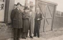 Józef Ostafin (drugi od lewej), Sielce, ok. 1942 r., wł. prywatna