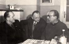 Stanisław z kolegami (ps. Gacek i Władysławem Fajkowskim ps. Śmiały), lata 70. XX w., wł. prywatna