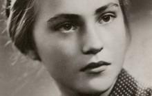 Teresa Macak (obecnie Siedlar- Kołyszko), Kraków 1943 r., wł. prywatna